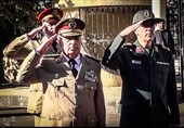 اللواء باقری یزور ضریح الجندی المجهول فی سوریا+ فیدیو