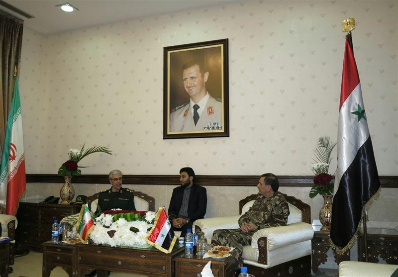 اللواء باقری یلتقی وزیر الدفاع السوری + صور