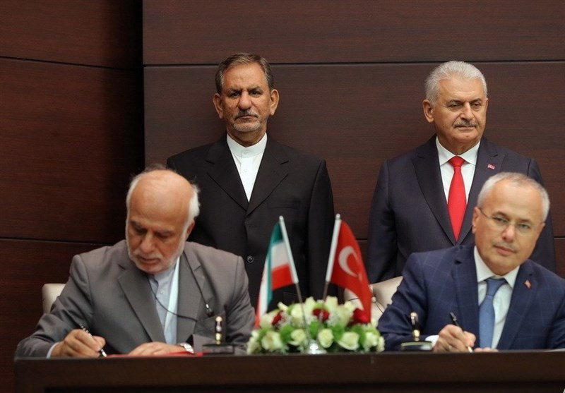 Iran, Turkey Sign Cooperation Deals in Scientific, Environmental Areas