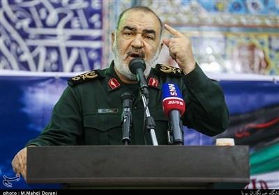 """سردار سلامی: میتوانیم در """"هر نقطه"""" منافع دشمن را ویران کنیم/ ملت ایران در زمین دشمن بازی نمیکند"""