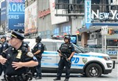 یورش خودروهای پلیس نیویورک به سوی معترضان +فیلم