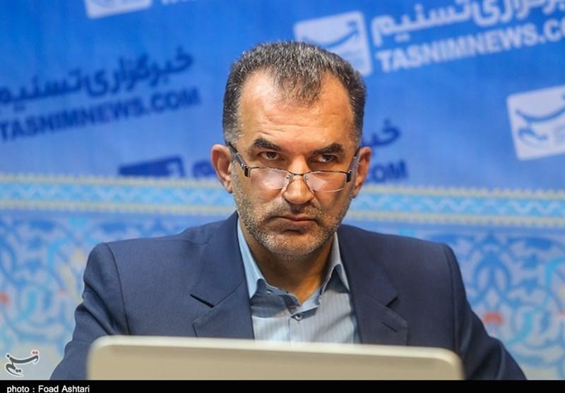 """چاپ دوم کتاب"""" راهنمای پوشش خبری در رسانهها"""" رونمایی شد"""