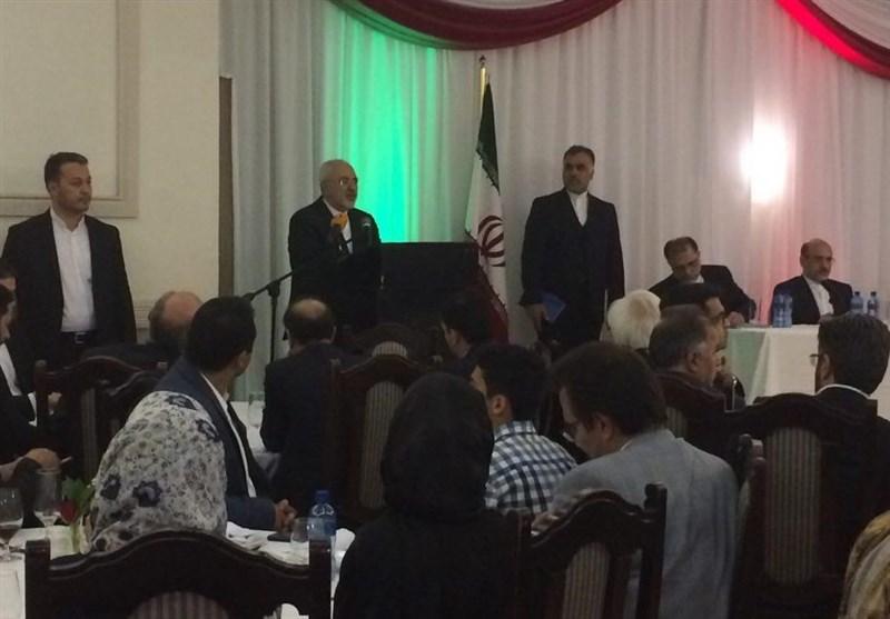 ظریف: نرید السلام والاستقرار للمنطقة ولاحاجة لنا للتوجه الى کامب دیفید