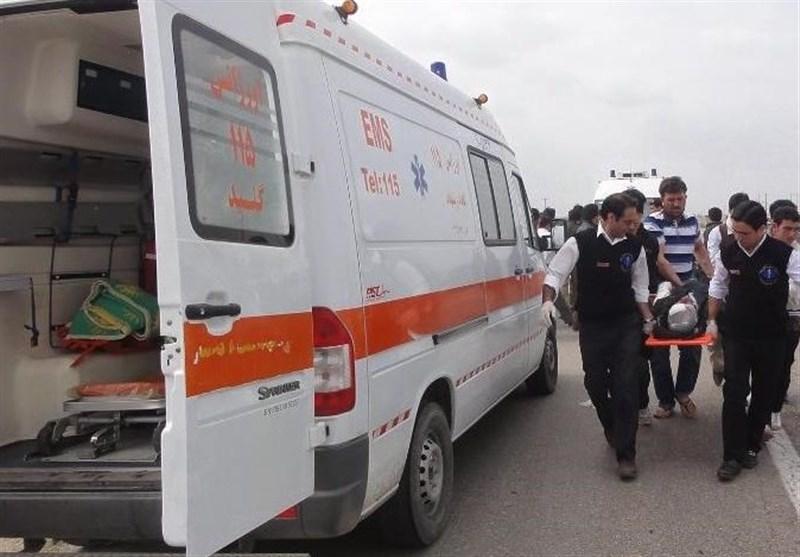 8 نفر در حادثه واژگونی دو مینیبوس در محور عسلویه-کنگان مصدوم شدند