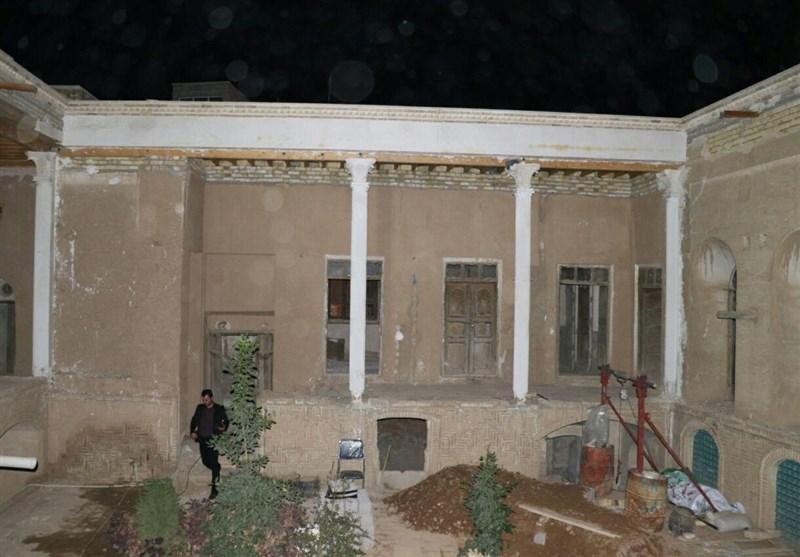 معاون رئیسجمهور از خانه طاهریان در سمنان بازدید کرد+عکس
