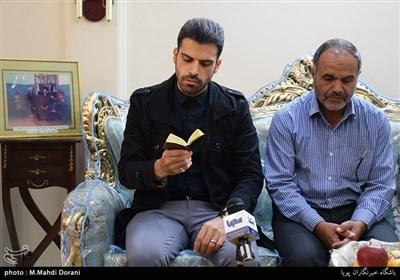 دیدار جامعه قرآنی با خانواده شهید علی یزدیان