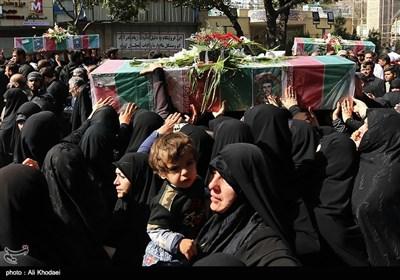 عنوان مراسم تشییع پیکر 2 شهید مدافع حرم و 5 شهید دفاع مقدس - اصفهان