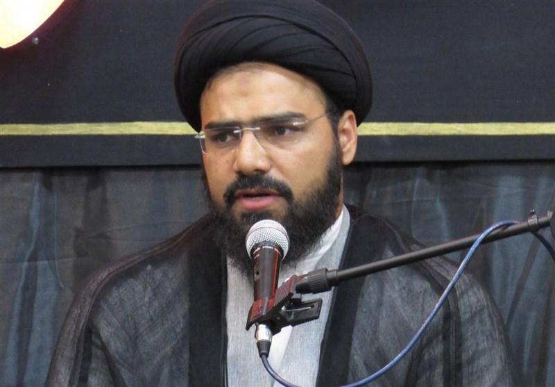 اصفهان| دولت در شرایط فعلی باید تیم اقتصادی خود را تقویت کند