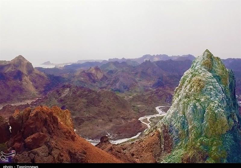 جزیره هرمز، قطعهای ناب و مسحورکننده با تاریخی رنگارنگتر از خاکهایش + فیلم