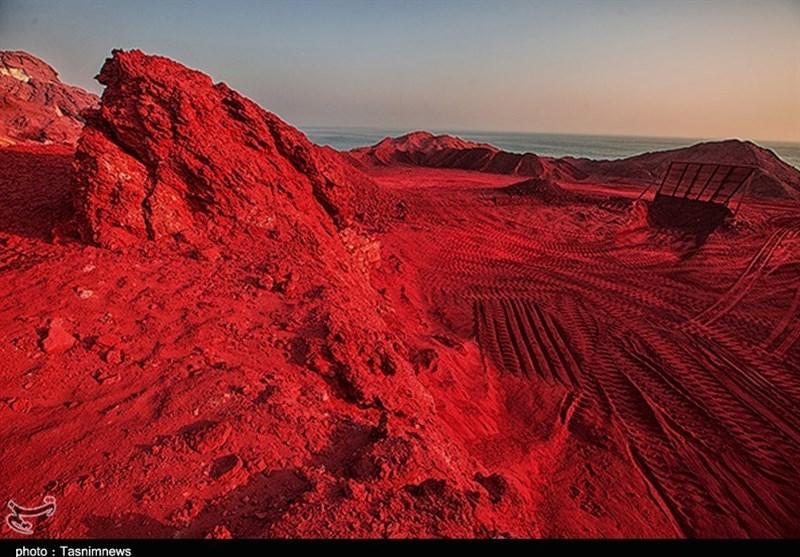 معدن خاک سرخ هرمز