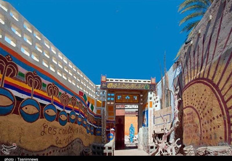 ورودی موزه نادعلیان