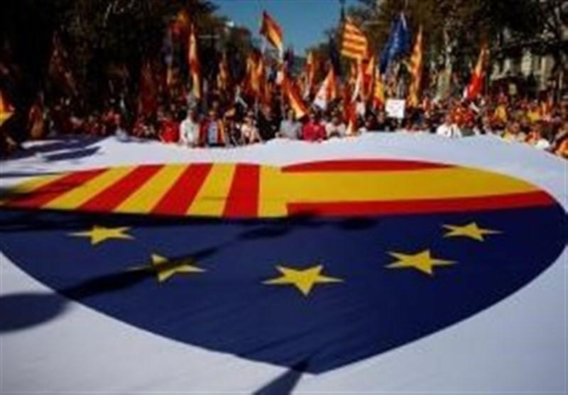 تظاهرات صدها هزار نفری مردم بارسلون در حمایت از اسپانیای متحد