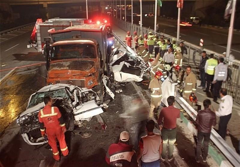 متلاشی شدن پرشیا و سمند بر اثر تصادف با کامیون