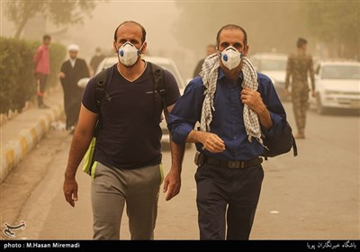 Dust Storm Blankets Iraq's Holy Najaf