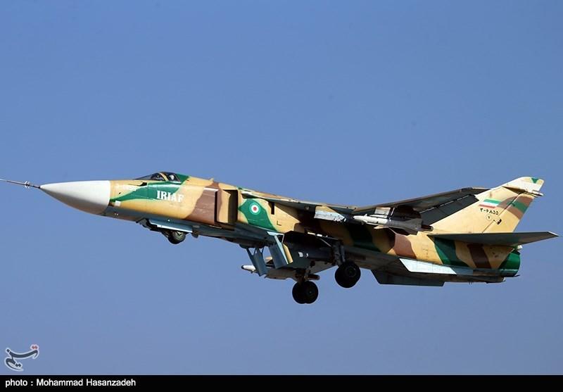 اخبار رزمایش ارتش  بمباران و سوختگیری شبانه توسط جنگندههای سوخو 24
