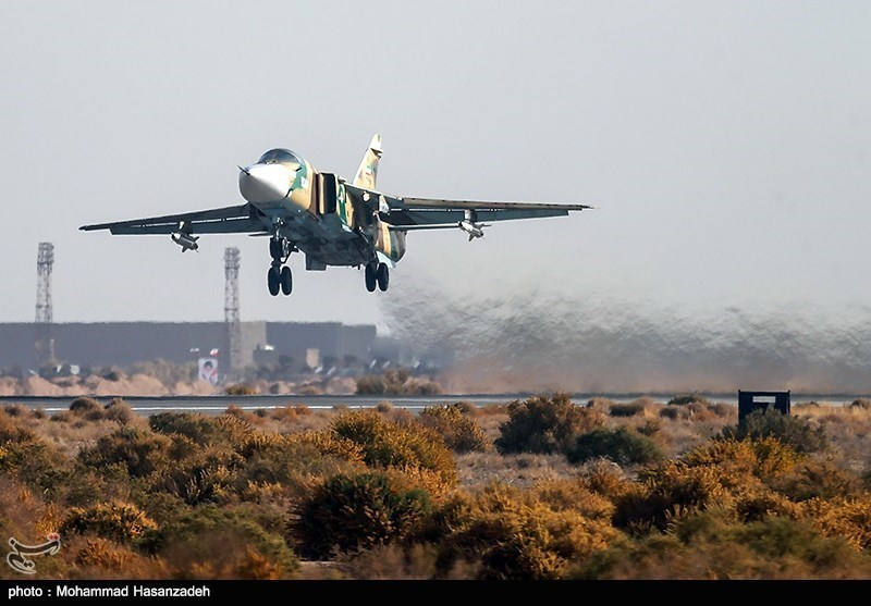 لحظه تیکآف جنگنده سوخو 24 نیروی هوایی ارتش + عکس