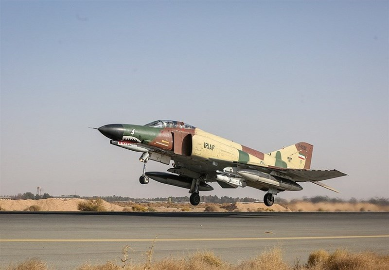 یک فروند جنگنده F4 در پایگاه هوایی تهران بازآماد شد