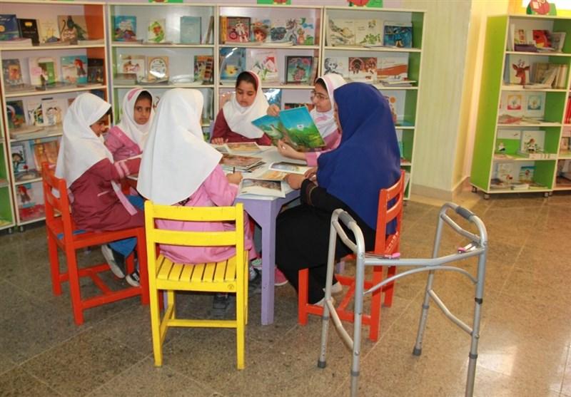 برگزاری برنامههای دهه فجر ویژه کودکان باید با هنر و خلاقیت همراه باشد