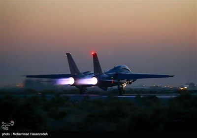 Iranian Fighter Jets Conduct Overnight Drills