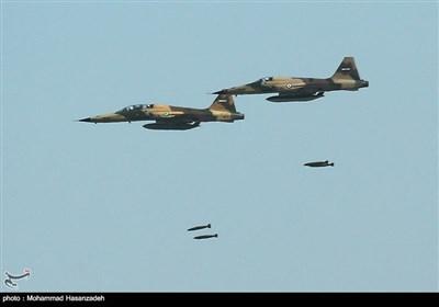اخبار رزمایش  انهدام اهداف دشمن فرضی توسط جنگندههایF-۵ و صاعقه/ «سمات» دوربین جدید RF-۴های نهاجا