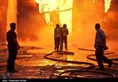 گاراژ 3 هزار متری خیابان هلالاحمر در کام آتش