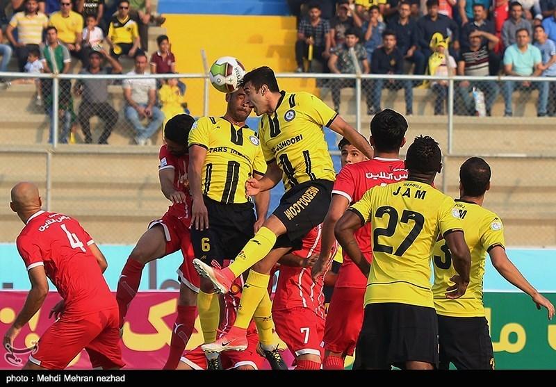 دیدار تیمهای فوتبال پارس جنوبی جم و سپیدرود رشت - بوشهر