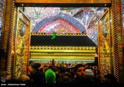 Shiite Pilgrims in Imam Ali Shrine in Najaf ahead of Arbaeen