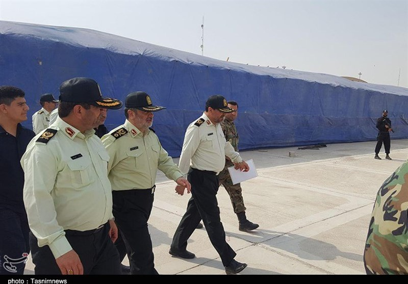 Iran Quake: Extra Cops Stay in Disaster Area