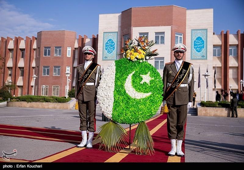Pakistan's Top General Makes Iran Visit
