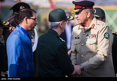 Pakistan's Top General Makes Iran Visit