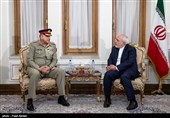 Iran, Pakistan Discuss Ways to Up Economic, Defense Cooperation