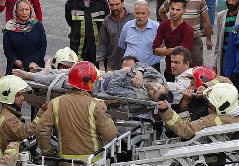 مصدومیت 4 کارگر بر اثر تخریب ساختمان در اشرفی اصفهانی