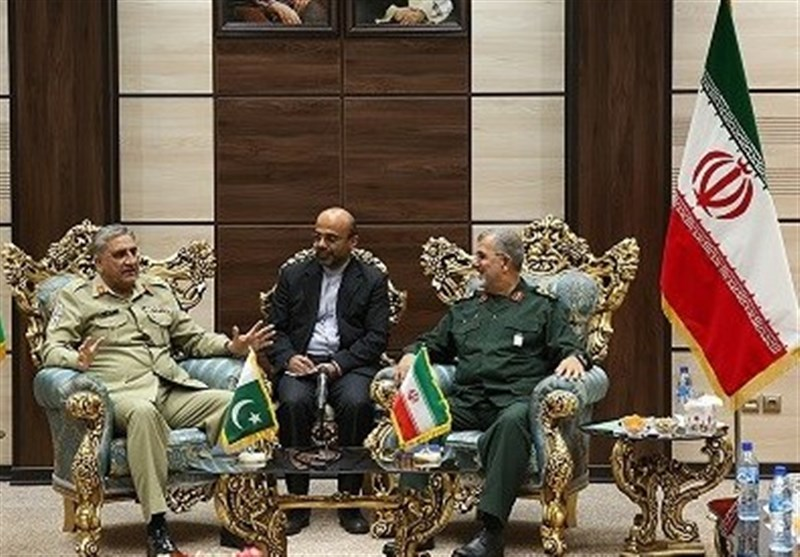 IRGC Offers Help for Pakistan in Border Control