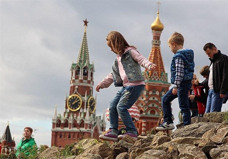 جشن جهانی هواداران در پارک زاریادی مسکو/ تسلط گشت راهها به زبان انگلیسی