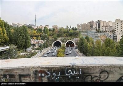 انتهای بوستان باغچه بان در محله یوسف آباد که به تونل رسالت متصل میشود