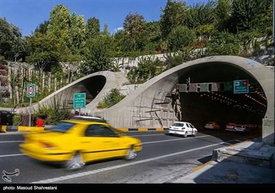 قسمت انتهایی تونل رسالت که متصل میشود به خیابان اسد آبادی