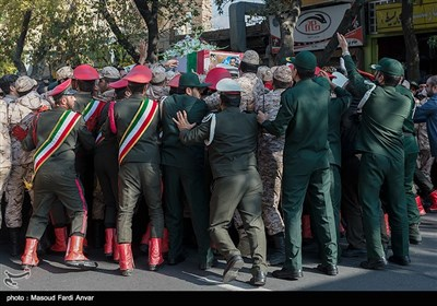 تشییع پیکر شهید مدافع حرم وحید فرهنگی در تبریز