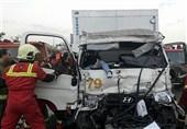 متلاشی شدن کامیونت پس از تصادف با کامیون + تصاویر