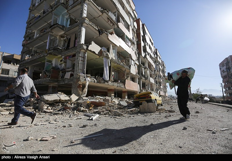 Tremors Keep Rattling West Iran as Quake Death Toll Rises to 445 (+Photos)