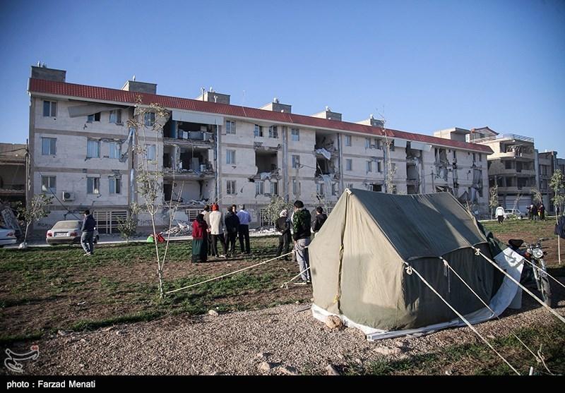 زلزله کرمانشاه | پتو و کنسرو مهمترین نیاز زلزلهزدگان
