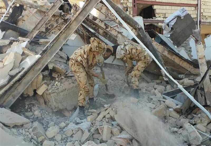 Army Commander, Forces Rush to Western Iran for Rescue Efforts after Quake
