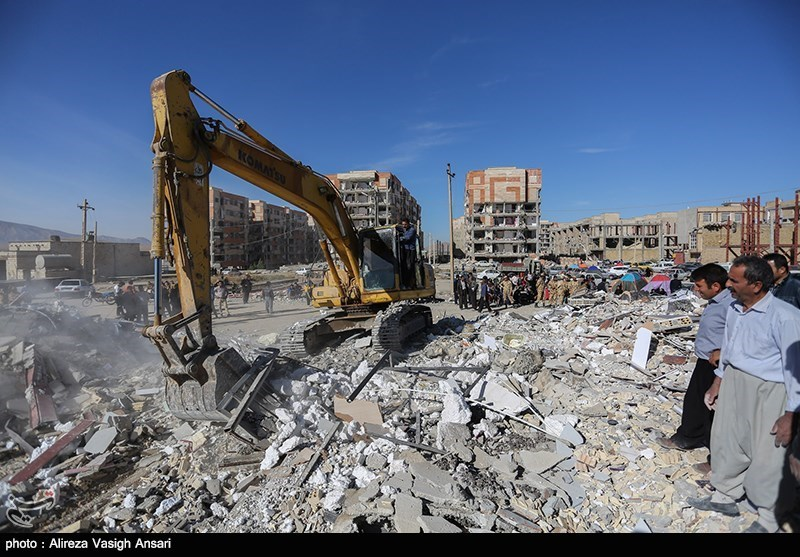 Condolences Pour in over Deadly Quake in Iran