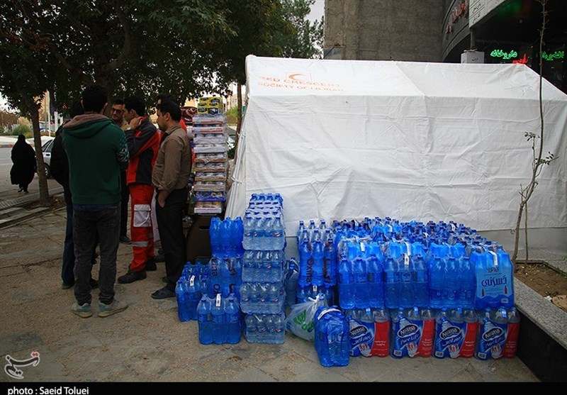 اهدای کمک مردم خراسان شمالی به زلزله دگان