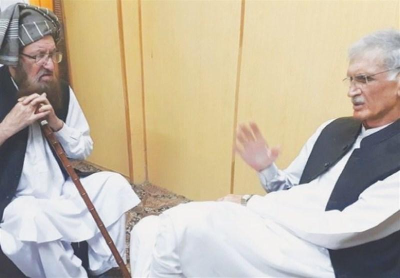 سابق آئی ایس آئی افسر اور پرویز خٹک کی مولانا سمیع الحق سے ملاقات