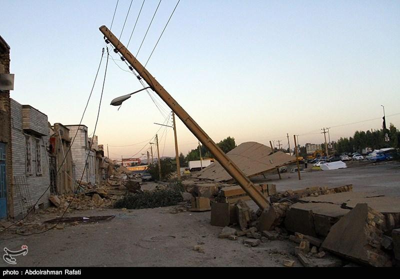 4 اکیپ مجهز فنی از برق استان قزوین به مناطق زلزلهزده اعزام شدند