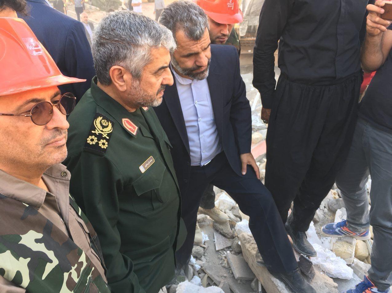 حضور فرمانده سپاه در دورافتادهترین نقاط زلزلهزده غرب ایران