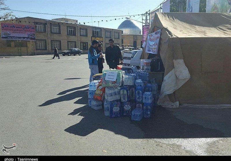 جمعآوری کمکهای مردمی بیجار به مناطق زلزلهزده کرمانشاه به روایت تصویر