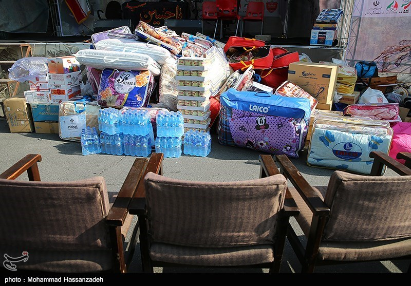 محموله مواد غذایی از چهارمحال و بختیاری برای مناطق زلزلهزده ارسال شد