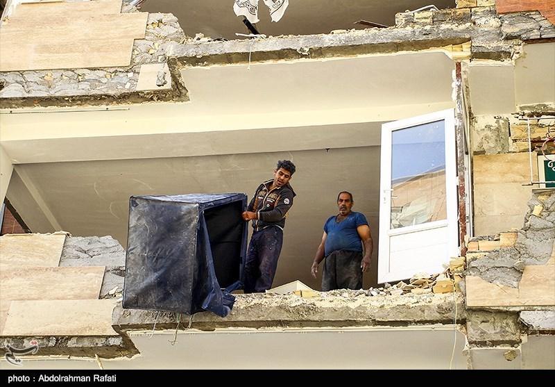 20 کامیون کمکهای بخش خصوصی فارس به مناطق زلزلهزده اعزام شد