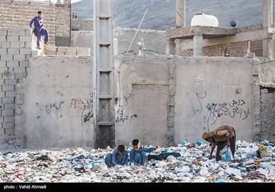 یکی شدن محل انباشت زباله با محل زندگی اهالی منطقه شیرآباد در حاشیه زاهدان